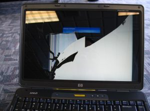 Thay màn hình laptop lấy ngay tại Hà Nội